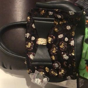 A never before used purse